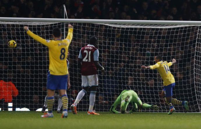 Уолкотт приносит победу Арсеналу над Вест Хэмом