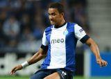 Защитник Порту может заменить в Барселоне Алвеша