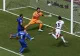 Коста-Рика сенсационно обыгрывает Италию