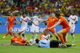 Нидерланды по пенальти прошли Коста-Рику