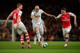 Арсенал оступился в матче с Суонси