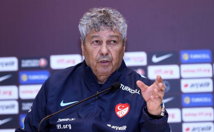Луческу останется тренером Турции